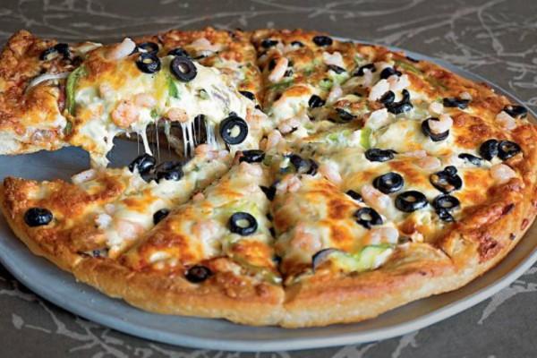 Πίτσα ελληνική και light!