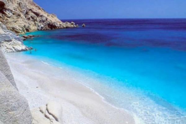 Αυτές είναι οι 5 παραλίες στην Ικαρία που πρέπει να πάτε!