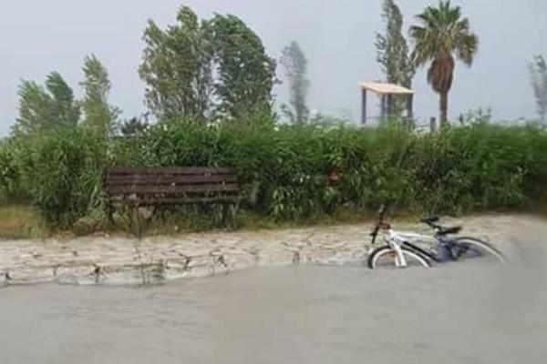 Κέρκυρα: Πλημμύρισαν οι δρόμοι από την βροχή! (photos)