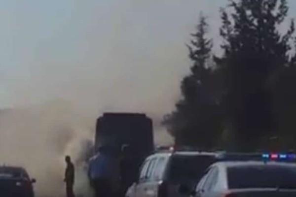 Απίστευτο: Τουριστικό λεωφορείο στο Λασίθι πήρε φωτιά εν κινήσει (video)