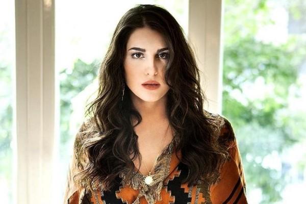 Παυλίνα Βουλγαράκη: Χαμογελά ξανά η τραγουδίστρια! - Ποιος την έβγαλε από τη θλίψη;