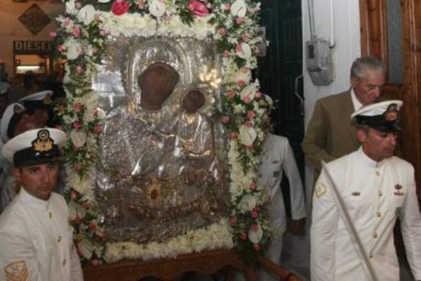 Δείτε live την θεία λειτουργία στην Παναγία Εκατονταπυλιανή της Πάρου και στην Παναγία Σουμελά στο Βέρμιο!