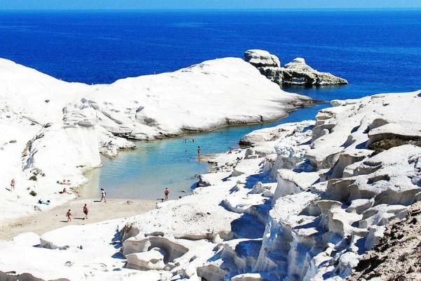 Και όμως! Αυτές οι παραλίες και οι λίμνες βρίσκονται στην Ελλάδα!