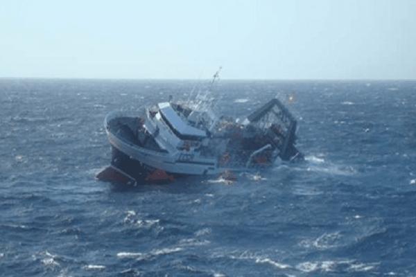 Ναυάγιο με εννέα νεκρούς ανοιχτά των δυτικών ακτών της Τουρκίας!