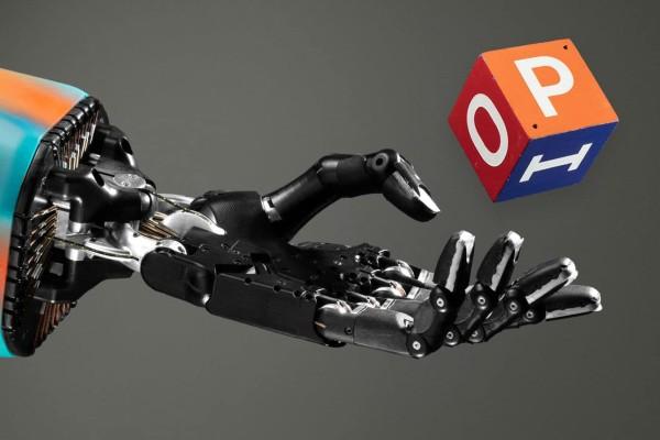 Ρομποτικό χέρι παίζει στα δάκτυλα έναν κύβο! (video)