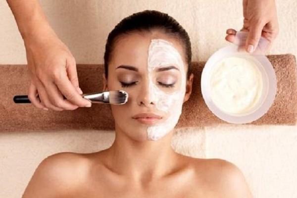 Κορίτσια δώστε βάση: Πώς θα φτιάξετε την καλύτερη σπιτική μάσκα ομορφιάς!