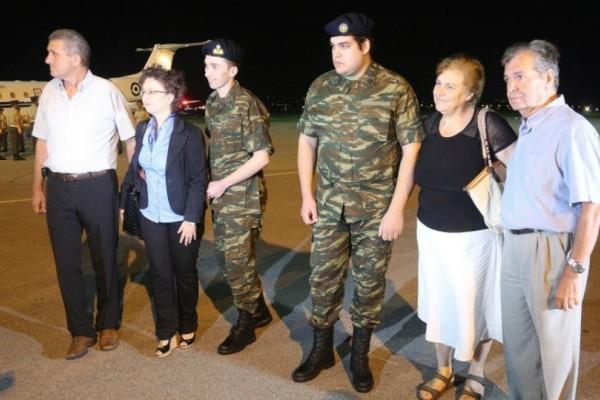 Στην Ελλάδα οι δυο στρατιωτικοί! Το παρασκήνιο που οδήγησε στην απελευθέρωση τους (Photos)