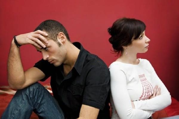 8 σημάδια που θα σε βοηθήσουν να καταλάβεις εάν ο σύντροφός σου είναι... gay!