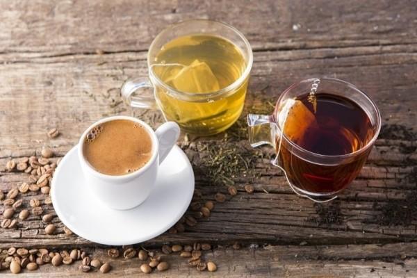 Αυτός είναι ο λόγος που πρέπει να αντικαταστήσετε τον καφέ με τσάι αμέσως!