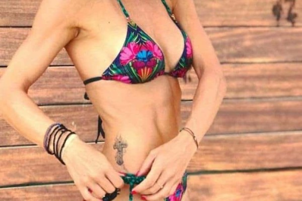 Ελληνίδα παρουσιάστρια «ρίχνει» το Instagram με το απίστευτο κορμί της!