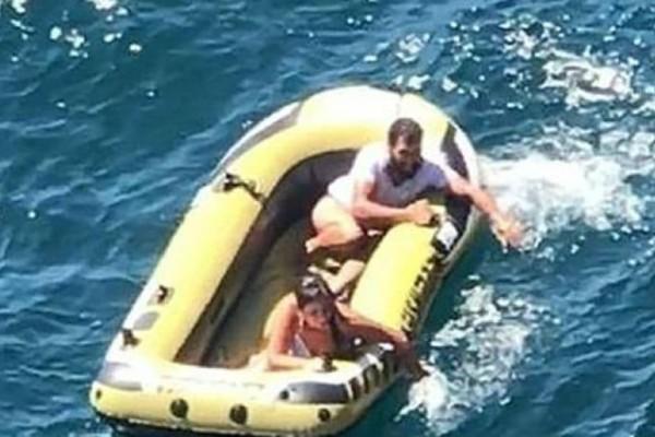 Έλληνας σώζει ζευγάρι ναυαγών στη Μαύρη Θάλασσα! (video)