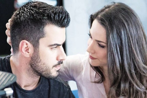 Πασίγνωστος Έλληνας τραγουδιστής αποκαλύπτει: «Εγώ επισημοποίησα και νομιμοποίησα τη σχέση Τσιμιτσέλη - Γερονικολού!