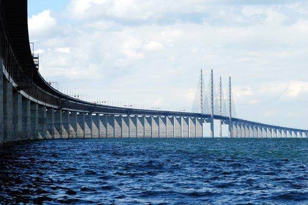 Συναγερμός στη Δανία: Έκλεισαν δύο γέφυρες και σταμάτησαν τα δρομολόγια προς τη Γερμανία