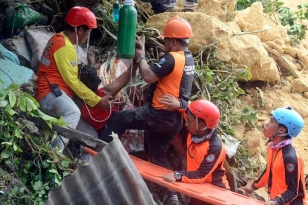 Φονική κατολίσθηση στις Φιλιππίνες! - «Θάφτηκαν» κάτω από το χώμα τουλάχιστον 50 άνθρωποι! (Video)