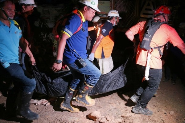 Τουλάχιστον 22 νεκροί από φονική κατολίσθηση στις Φιλιππίνες!