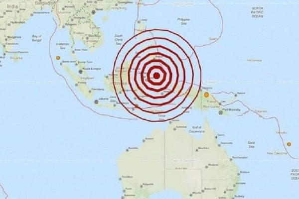 Σεισμός 7,7 Ρίχτερ στην Ινδονησία!