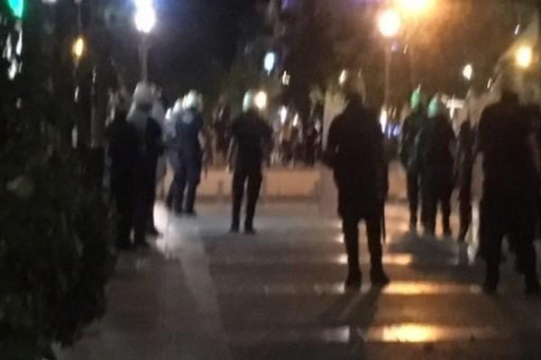 Αγρίνιο: Επεισόδια με τραυματίες στην πορεία για τον Παύλο Φύσσα!