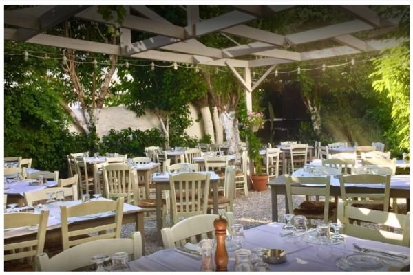 Το εστιατόριο ΚΟΥΒΕΛΟΣ τώρα κοντά σας και κάθε Κυριακή βράδυ!