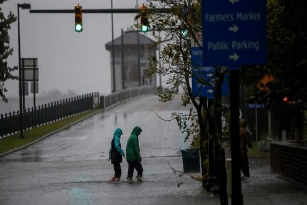 Δεν έχει τέλος η τραγωδία: Στους 32 οι νεκροί από τον κυκλώνα Φλόρενς!