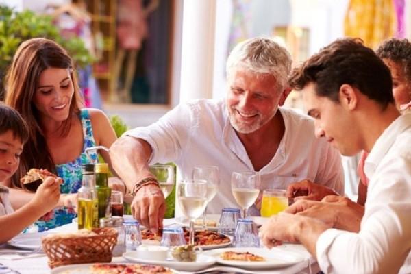 Προσοχή: Τι δεν πρέπει να κάνουμε αμέσως μετά το φαγητό!