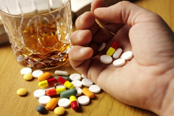Αλκοόλ και φάρμακα: Οι πιο επικίνδυνοι συνδυασμοί!