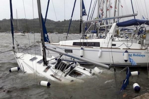 Κυκλώνας Ζορμπάς: Βύθισε 14 σκάφη στην Καλαμάτα! - Δεκάδες γιοτ υπέστησαν ζημιές!
