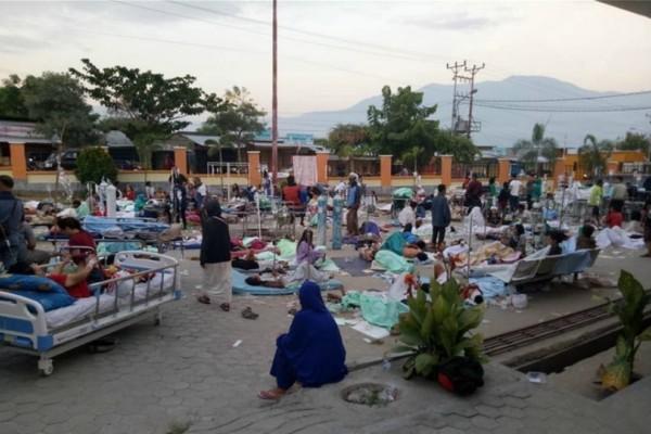 Ανείπωτη τραγωδία στην Ινδονησία : Πάνω από 380 οι νεκροί από τον ισχυρό σεισμό!