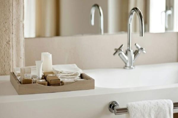 Πώς θα εξαφανίσεις εύκολα και γρήγορα τα άλατα από τα πιο βρώμικα σημεία του σπιτιού!