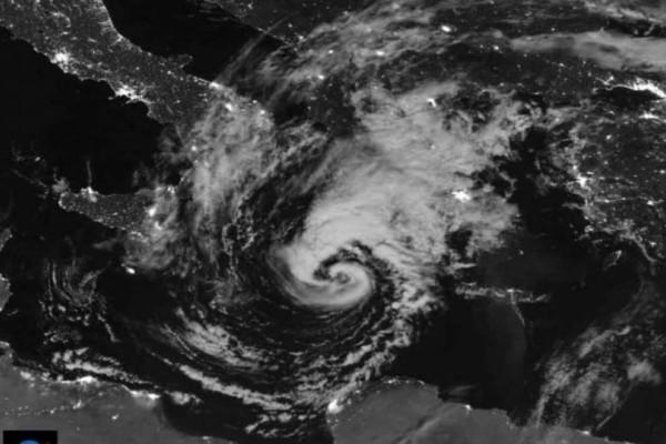 Εντυπωσιακή εικόνα του μεσογειακού κυκλώνα από τη NASA! (video)