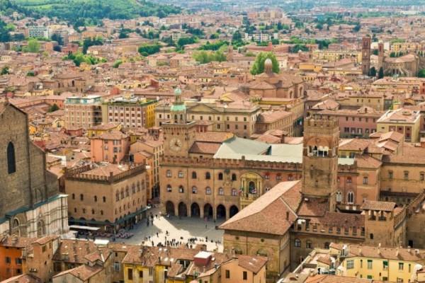 Ταξιδέψτε στην όμορφη Μπολόνια! - Φοβερή προσφορά από την Ryanair