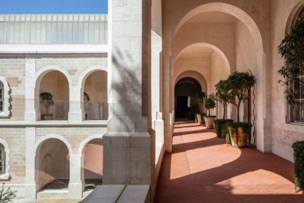 Πως ένα Μοναστήρι κατάφερε να μεταμορφωθεί σε ένα σύγχρονο ξενοδοχείο!