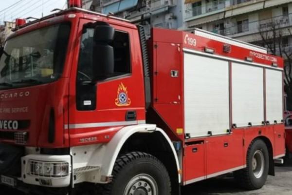 Πυρκαγιά σε πολυκατοικία στο κέντρο της Αθήνας!
