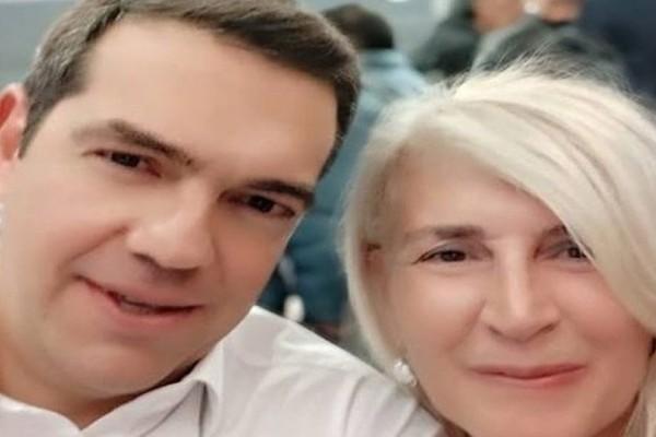Όχι δεν είναι καρτούν: Η selfie του Τσίπρα με την Αυλωνίτου.. τερματίζει όλα τα φίλτρα!