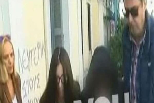 Δολοφονία στην Αρκίτσα: Σκότωσε τον Γερμανό σύντροφό της και πήγε σε γλέντι! (video)