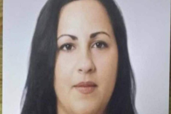 Την έσφαξε με 45 μαχαιριές μπροστά στο παιδί της: Έγκλημα σοκ στην Λαμία!