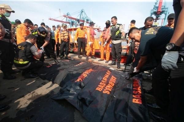 Τραγωδία στην Ινδονησία: Εξαφανισμένα τα