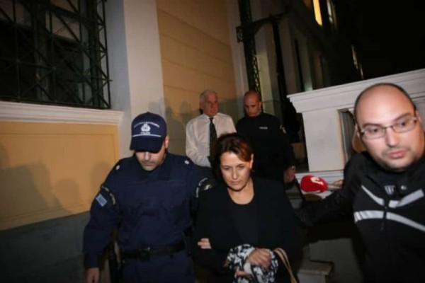Στη φυλακή ο Γιάννος Παπαντωνίου και η σύζυγός του!