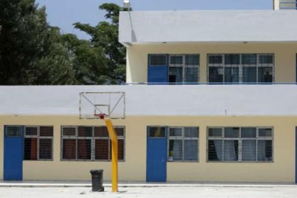 Τραγικό περιστατικό στα Άνω Λιόσια: Μαθητής επιτέθηκε με σιδερογροθιά σε σχολικό φύλακα!