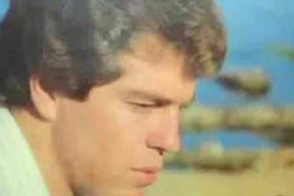 Βασίλης Καλούσης: Ο γνωστός Έλληνας τραγουδιστής που αυτοκτόνησε στον ΗΣΑΠ! Η φρικτή ιστορία πίσω από την τραγωδία!