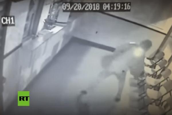 Απίστευτο βίντεο: Δείτε πώς την πάτησε ένας κλέφτης από την πέτρα που πέταξε ο ίδιος!