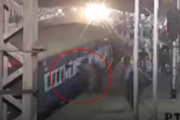 Απίστευτο βίντεο: Έσωσε επιβάτη που κρεμόταν από βαγόνι τρένου (video)