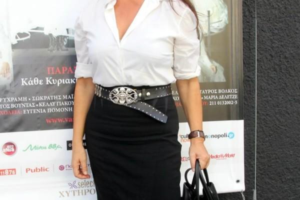 Απίστευτη αποκάλυψη πασίγνωστης Ελληνίδας ηθοποιού: «Με έπαιρνε στα Εξάρχεια για να