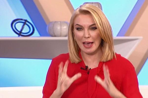 Έξαλλη η Τατιάνα Στεφανίδου on air άρχισε να ειρωνεύεται: