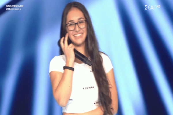 The Voice: Πέρασαν εκείνη... έκοψαν την αδερφή της! (video)