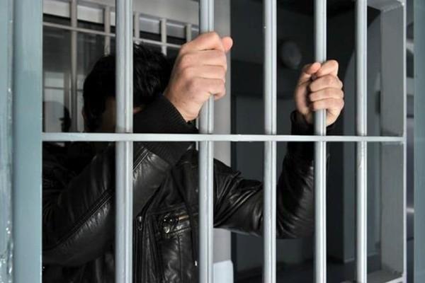 Είδηση σοκ: Στην φυλακή γιος πασίγνωστου Έλληνα πολιτικού για ναρκωτικά!