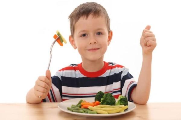 Γονείς δώστε βάση: 7 μύθοι και αλήθειες για την παιδική παχυσαρκία!