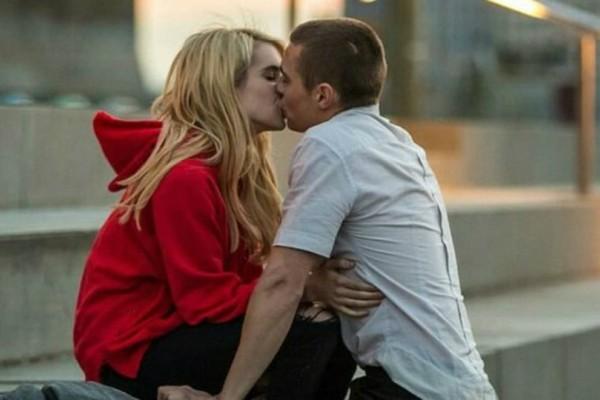 Το πρώτο φιλί μαρτυράει για τον άλλον, όσα ποτέ δεν θα σου πει!