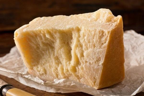 Έχεις υψηλή πίεση; Δες ποιο τυρί πρέπει να φας!