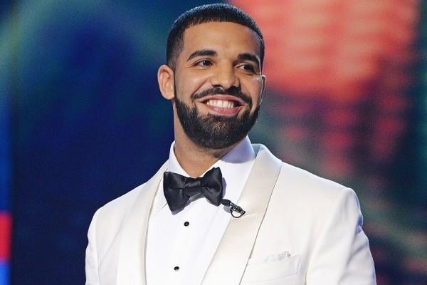 O Drake κατάφερε το... ακατόρθωτο! - Πώς ο Καναδός ράπερ κατέρριψε ρεκόρ 54 ετών των Beatles;