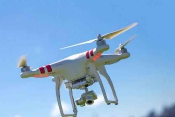 Δείτε τι θα συμβεί αν ένα drone συγκρουστεί με αεροπλάνο! (video)